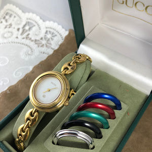a7564e8df15 Gucci Accessories - Gucci Vintage Watch With Gucci Chain Link Bracelet